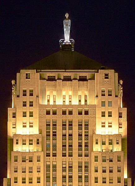 This Art Deco gem is the Chicago Board of Trade - because people in business are welcome here too.