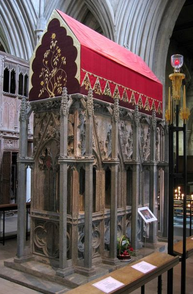 The place of Alban's execution became a pilgrimage destination; a town was founded, a monastery, a cathedral and finally the Diocese of St. Alban's. Above: relics of an earlier shrine.