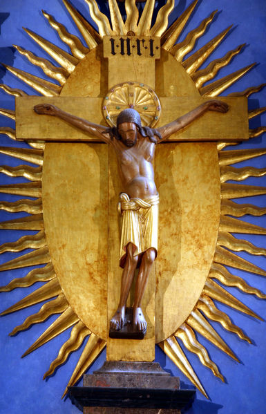 The lifesize Gero Crucifix at Cologne Cathedral, Germany, c. 965.  dans immagini sacre