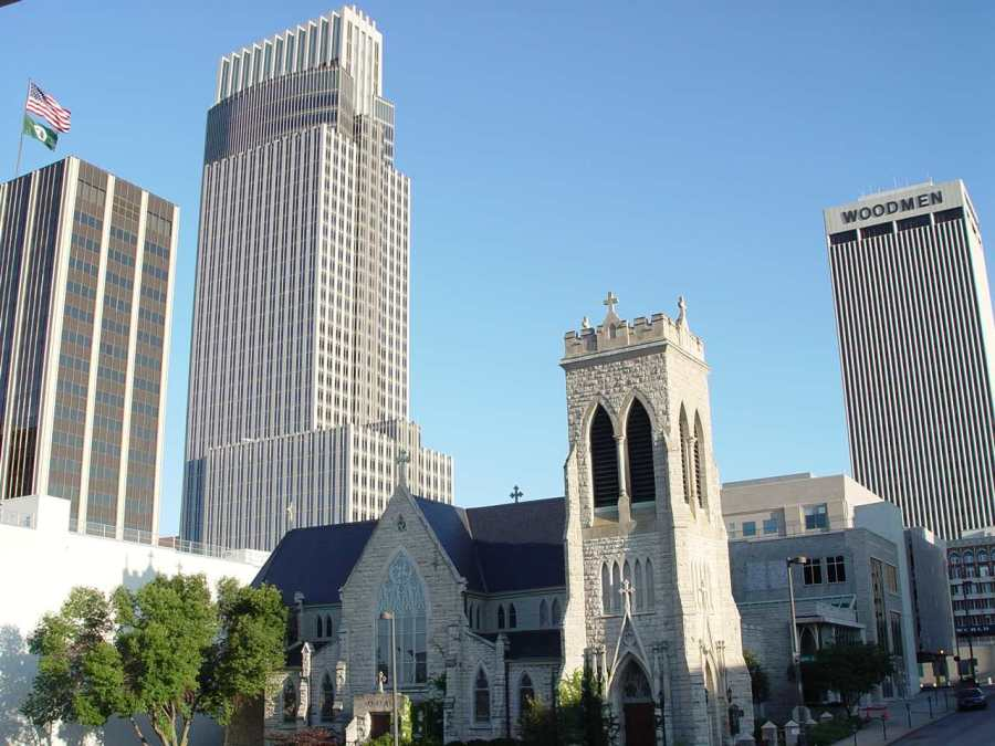 Trinity Cathedral, Omaha, Nebraska. It's the oldest church building in the city. (necoyote.com)