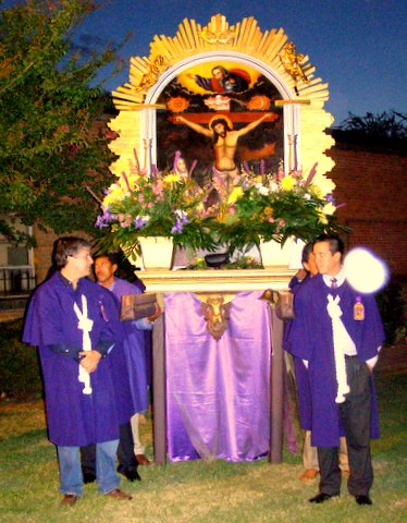 "Lord of the Miracles procession October 12 at Grace Church, Birmingham, Alabama, USA. One of our members writes, ""This multicultural congregation's liturgy uses both English and Spanish. Grace has become the home church of many Peruvians who as devotees of Los Senor de los Milagros plan this impressive festival each year. The congregation has also renovated their chapel and dedicated it to The Lord of the Miracles."" The U.S. Church is becoming more Latin American. (Elizabeth Anderson)"
