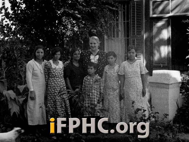 Lillian Trasher and some of her girls, Assiout, Egypt, in 1938. (Flower Pentecostal Heritage Center)