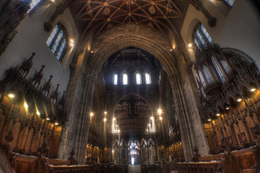 Bangor Cathedral, Wales (http://tomsimoneweddings.co.uk)