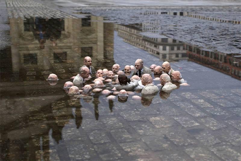 Isaac Cordal, Berlin, 2011: Politicians Discuss Global Warming (artistaday.com/?p+10181)