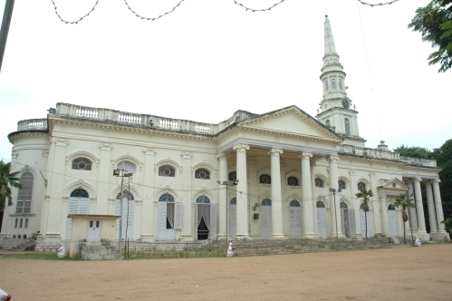 Side view of St. George's Cathedral, Chennai, built in 1815. It was the birthplace in 1947 of the Church of South India, an independence-era merger of Protestant denominations that is a Province of the Anglican Communion. (Wikipedia)