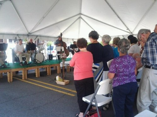 It was standing room only at the Jazz Mass last Sunday at St. Paul's, New Albany, Indiana, amid a two-day Art on the Parish Green festival. The city is across the Ohio River from Louisville, Kentucky. (Kathy Copas)