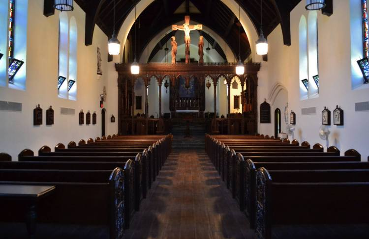 The Community of the Transfiguration, an order of women in Cincinnati, has refurbished its day school chapel and is happy with the results. (via Facebook)