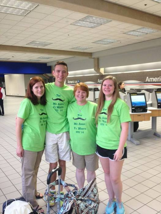 Students headed to the Episcopal Youth Event in Philadelphia, from the Diocese of Fort Worth, Texas. (The Rev. Amy Peden Haynie)