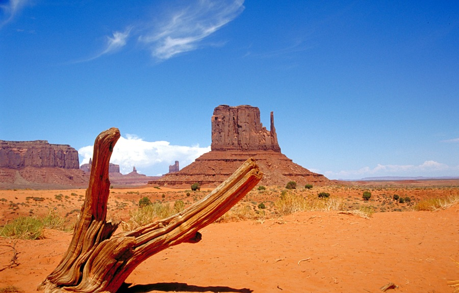 For the beauty of Monument Valley, Utah, USA: we give you thanks, most gracious God. (Wikipedia)