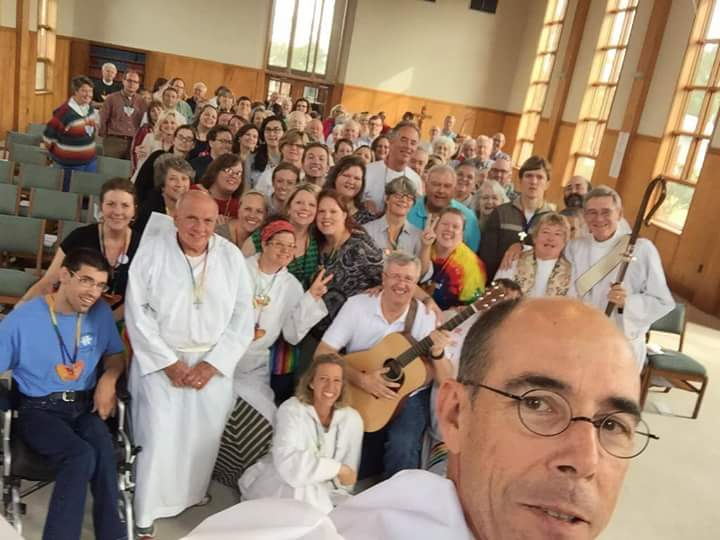 The Rt. Rev. Brian Seage, Bishop of Mississippi, held the camera for this selfie last Sunday at the close of the Cursillo weekend for dozens of lay leaders. (diocesan photo)