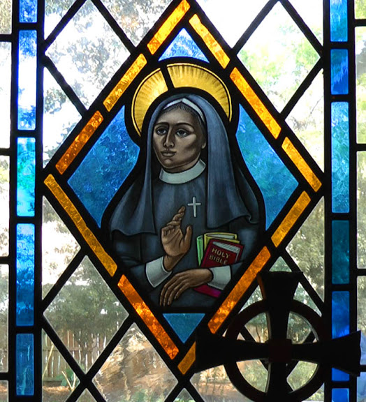 Deaconess Alexander window, St. Ignatius Chapel, St. Simons Island, Georgia. She was born just after Emancipation in 1865, the youngest of 11 children of a literate father committed to education. Two of her sisters also became teachers. And we have more in the video below. (loosecanon.georgiaepiscopal.org)