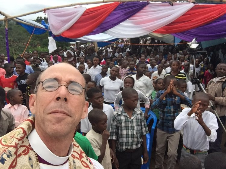 Brian Seage, the Bishop of Mississippi, is currently on mission in the Church of Uganda, and Thursday he participated in the Confirmation of 577 people in Mahango. Then he posted this on Twitter.