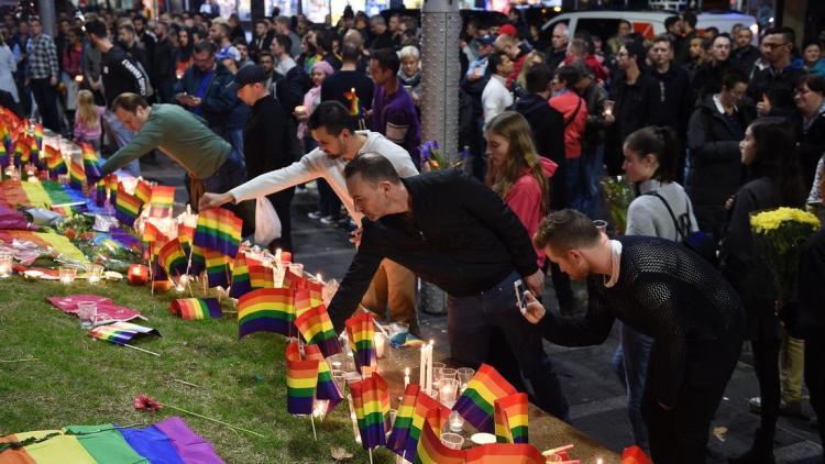 Pulse memorial at Taylor Square, Sydney. (Dan Himbrechts/European Pressphoto)