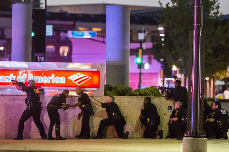 A sniper killed five police officers last night in Dallas, Texas as they patrolled a peaceful rally denouncing police shootings of unarmed African-Americans. The cops the man shot had nothing to do with what he was allegedly complaining about, it was simply an act of rage and revenge. (Smiley N. Pool/Dallas Morning News)
