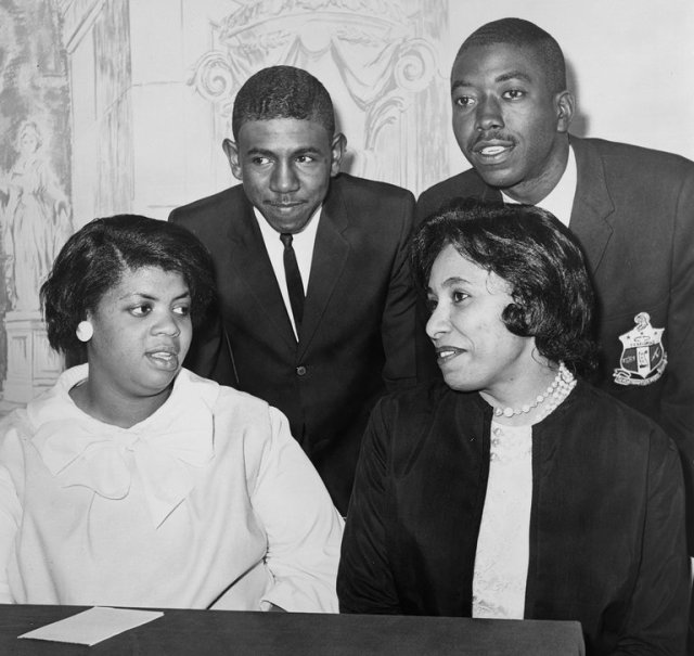 Harry Briggs, Jr. has died, son of the original plaintiff in Brown v. Board of Education of Topeka, Kansas, a famous U.S. Supreme Court decision outlawing racial segregation in schools. His parents were the first to file a lawsuit against the South Carolina public schools; they were eventually joined by other families in other cities. When the Supreme Court took up the issue, it consolidated all the cases and, by a legal technicality, named them Brown et al. with the Kansas case in the lead, perhaps because Kansas, a Plains state, was never part of slavery in the Old South. Above, at a news conference assessing the legal victory in 1964, we see Linda Brown Smith, Mr. Briggs, Jr., Ethel Louise Belton Brown and Spottswood Bolling, Jr., all original plaintiffs. Mr. Briggs's family paid a terrible price for their smalltown courage; his parents were fired from their menial jobs, the father took up farming but the merchants wouldn't sell him seed, and the stress of the racist environment took its toll on relationships; but Harry Jr. was forever proud of his father. In 2004 his parents and two other local Black leaders were posthumously awarded the Congressional Gold Medal. (Al Ravenna/New York World-Telegram & The Sun)