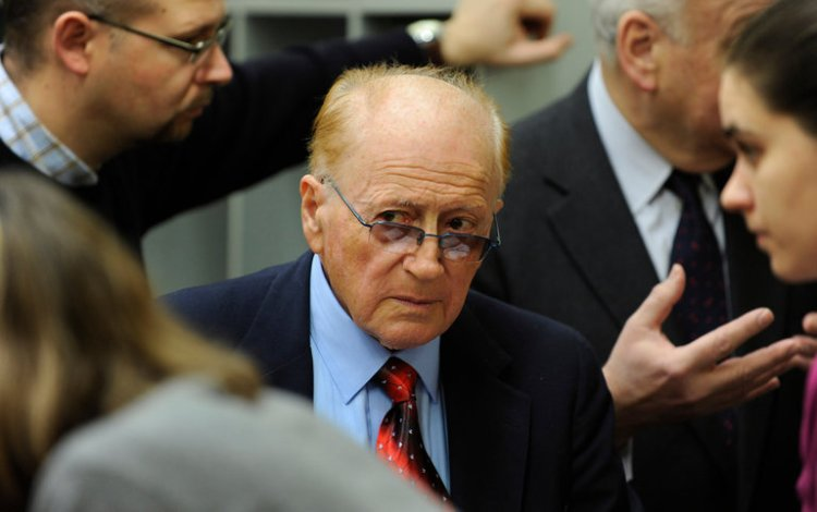 Holocaust survivor Philip Bialowitz has died, a keeper of the memory of the Jewish uprising at Sobibor, in which about 300 inmates at the concentration camp in occupied Poland who used trickery to capture their guards and escape. Only a handful were able to keep from being captured; he was one. He is seen above in 2010 testifying against John Demjanjuk, a Sobibor guard convicted of being a collaborator. (Christof Stache)