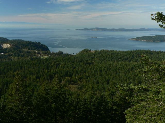 Fidalgo Island overlooking the Strait of Juan de Fuca, Washington State: sing praise and give honor for ever. (Walter Siegmund)