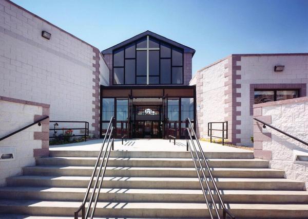Grace Church, Bronx, New York, designed by Levenbaum Associates. (behance.net)