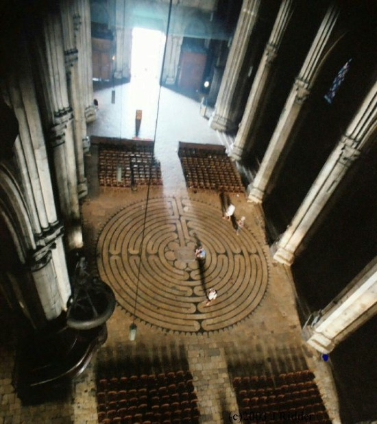 The labyrinth at Chartres Cathedral (paxworks.com)