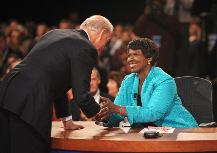 """U.S. television anchor Gwen Ifill has died of cancer at 61, an African Methodist Episcopal preacher's daughter who was the first Black female in the newsroom of a Boston newspaper, earned increasingly responsible positions at the best and biggest papers, then became an anchor and editor at public television's """"NewsHour."""" Serious, hardworking, disciplined and ambitious, she became a national figure for moderating political debates, as above in 2008 when she was greeted by then-Senator Joe Biden. Off-camera she had a dazzling, uncensored smile that could light up a room, and was loved by audiences and peers across the political spectrum. She used to tell friends that if she missed church on Sunday, she felt flat the rest of the week. (Don Emmert/Associated Press)"""