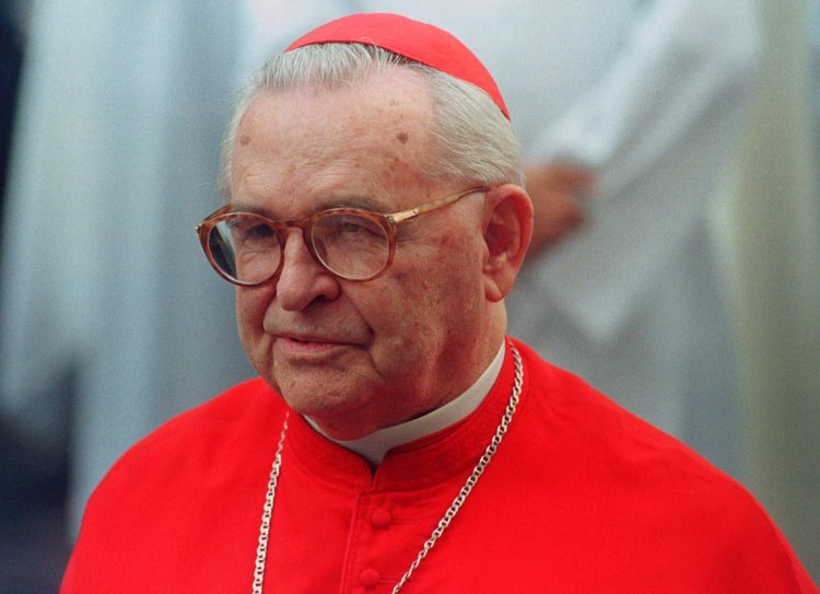 Cardinal Paulo E. Arns has died after a long ministry marked by his opposition to the former military dictatorship of Brazil. He believed in liberation theology, and when Cardinal Joseph Ratzinger, Pope John Paul II's conservative enforcer and eventual successor, tried to rein him in, Arns threatened to denounce Church militarists in Ratzinger's own Germany. (Dario Lopez-Mills/Associated Press)