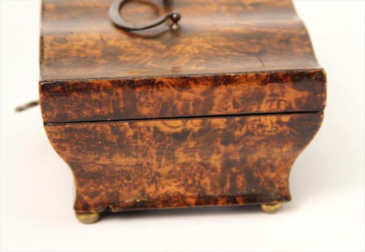 A decorative box made of mulberry wood. (iAuctions)