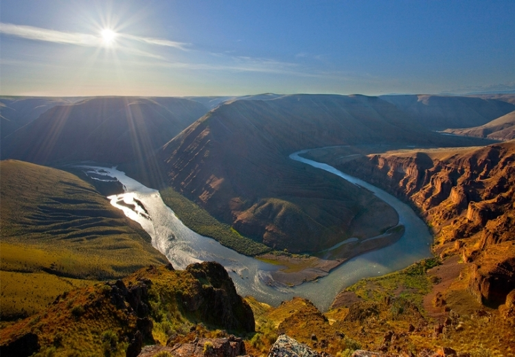 John Day River of an evening, in eastern Oregon. (Western Rivers Conservancy)